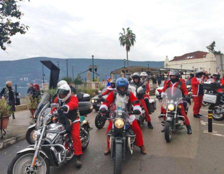 Ljudi velikog srca: Djeda Mrazevi na motoru posjetili djecu u Bijeloj