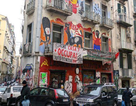 Sasvim drugačiji Napulj: Nadmoć igre i harizme nad paklom