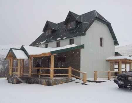 Planinarski dom na Sinjajevini prima prve posjetioce