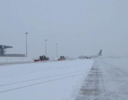 Zbog snijega zatvoren Aerodrom Podgorica!