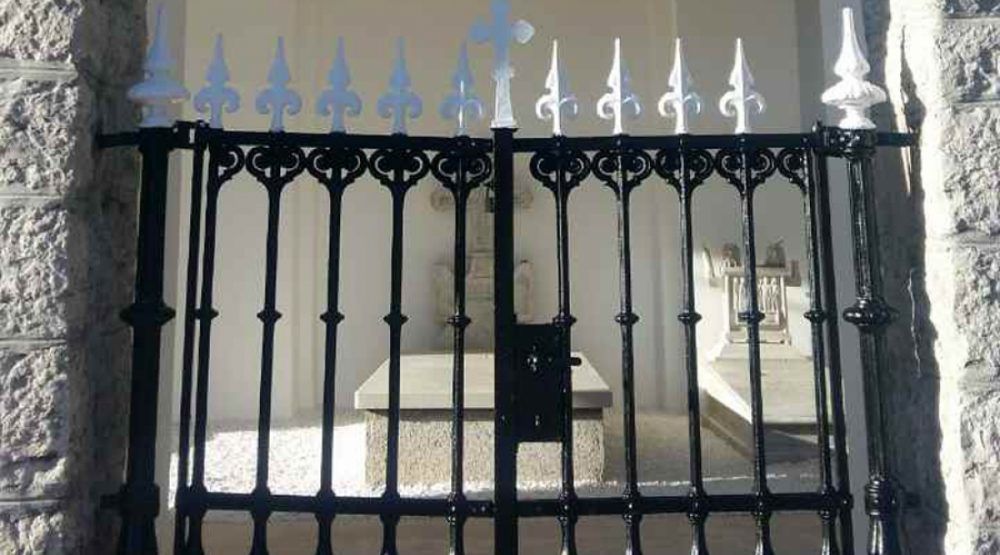 Restaurirani grobovi Petrovića