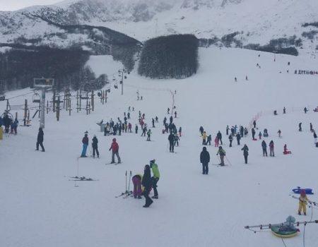 Pola metra utabanog snijega na Savinom kuku i 2000 skijaša