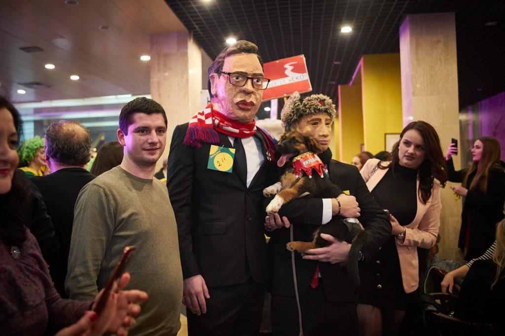 """""""Vučić i Putin"""" pobjednici prvog maskenbala"""