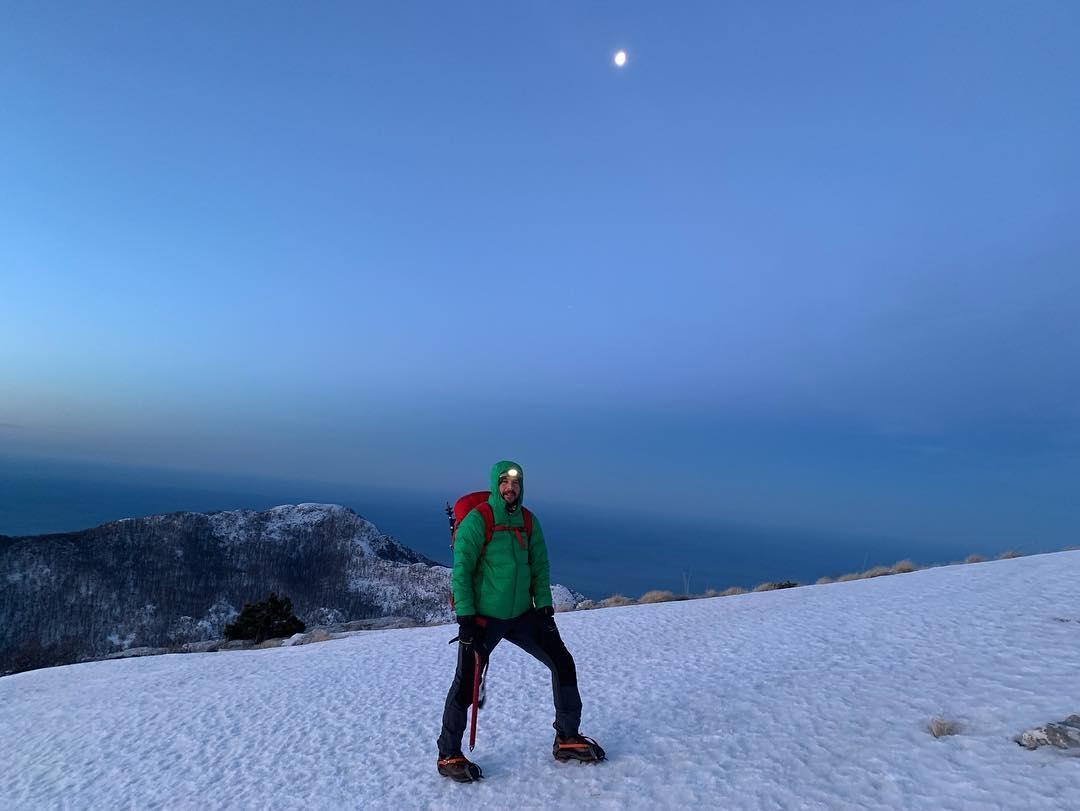 Priča s vrha Subre u noći punog Mjeseca: Čaj u iglou, bura i druženje