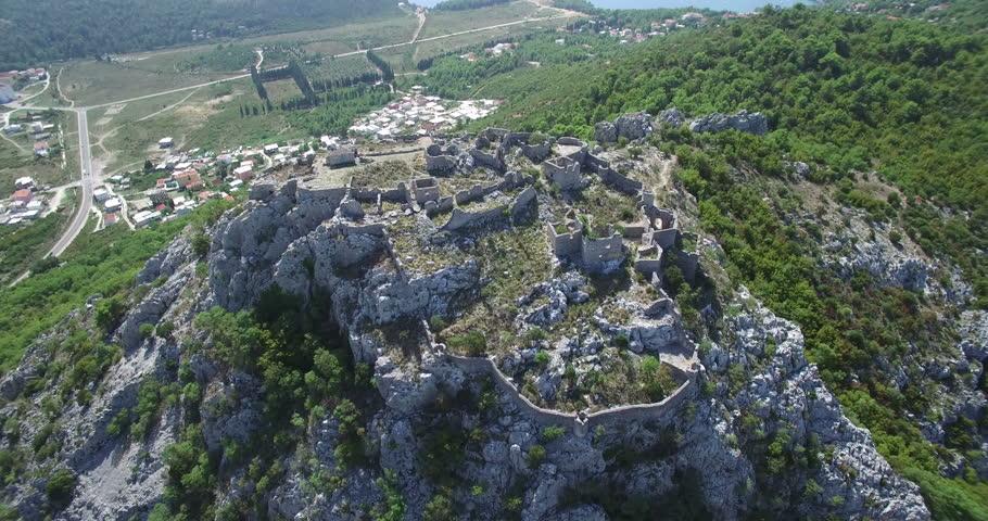Haj Nehaj: Tvrđava koju su gradile žene