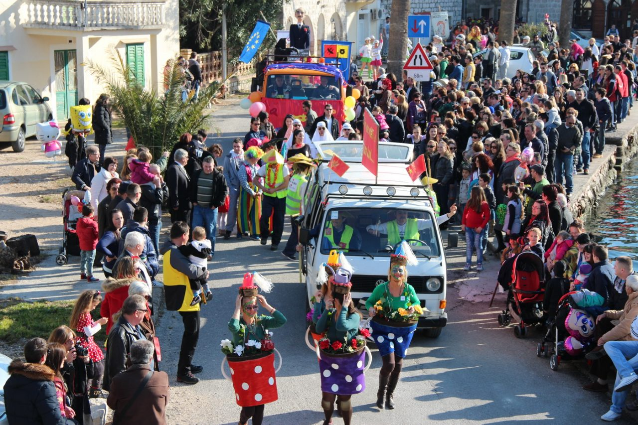 Idete li na Lastovski karneval?