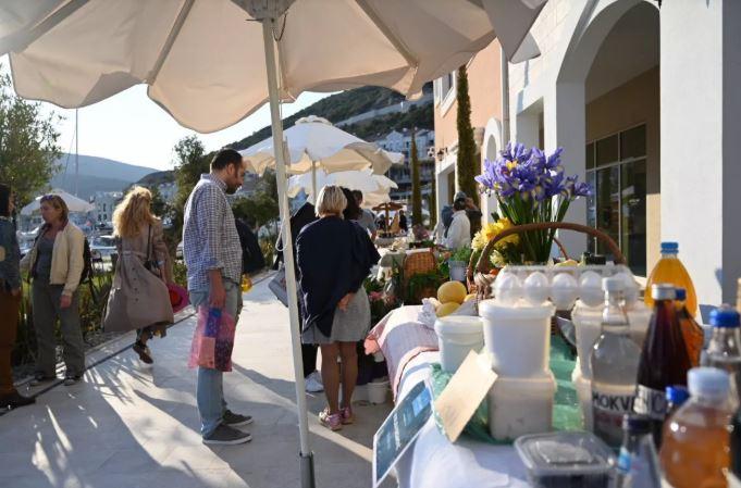 Bazar domaće hrane u Luštici Bay