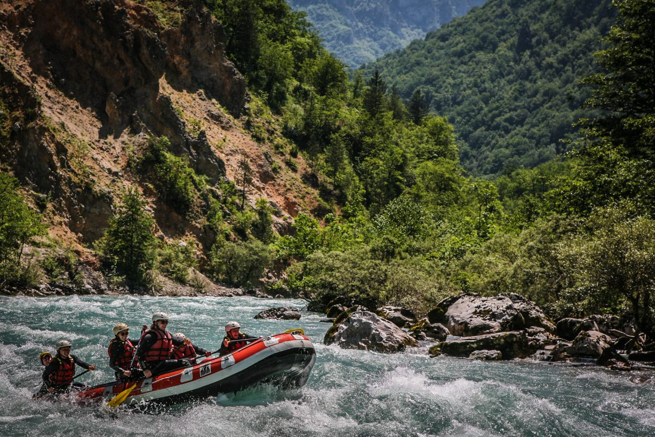 Spremate li svoju rafting ekipu? Etno selo Grab vodi vas na prelijepu Taru