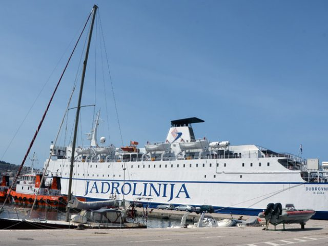 Feribot Dubrovnik na liniji Bar-Bari-Bar od 21. maja