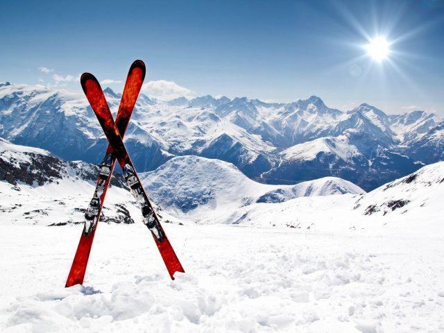 Vlada potpisala ugovor o izgradnji žičare i ski staza u Mojkovcu