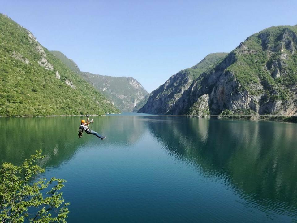 Share Montenegro vas vodi na najduži Zip-line u Crnoj Gori