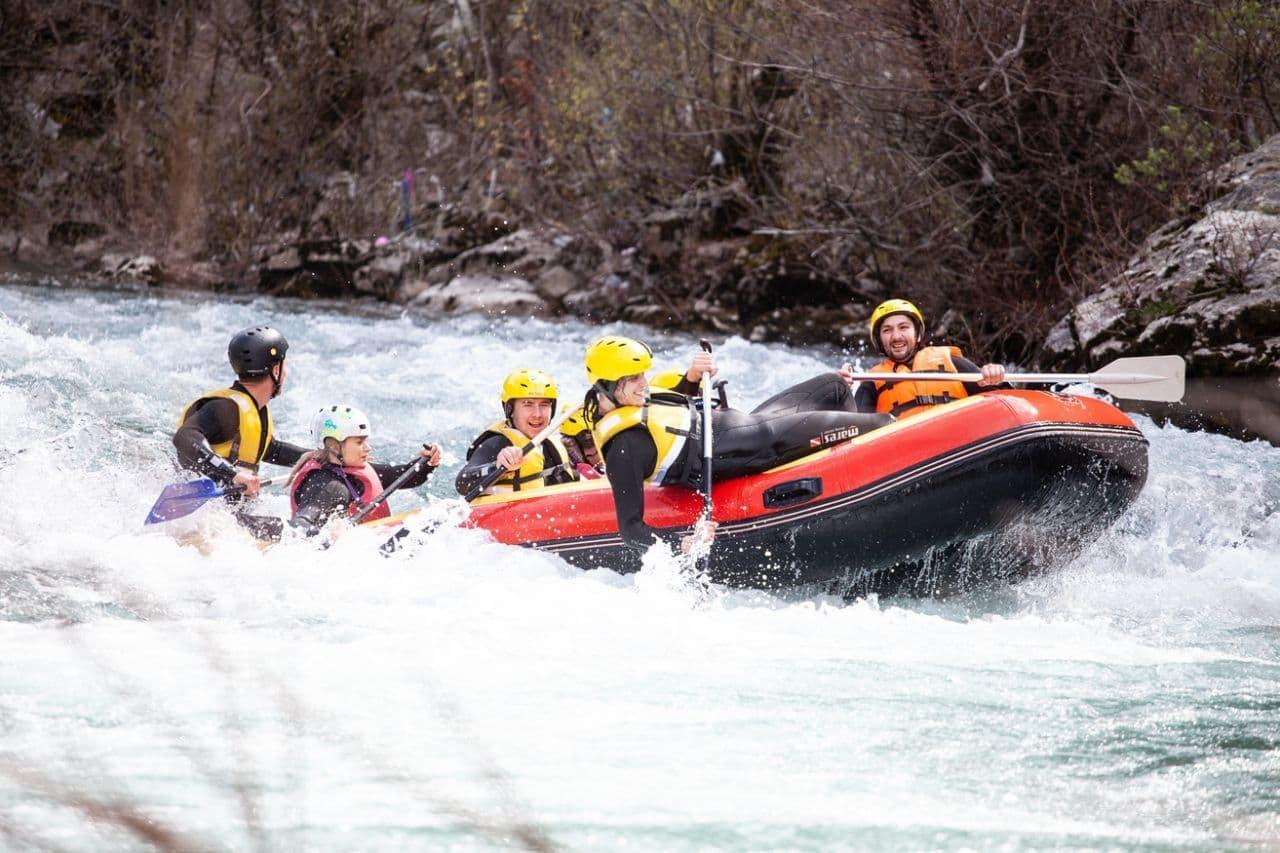 Proljeće u Mojkovcu i prvi rafting na nabujaloj Tari
