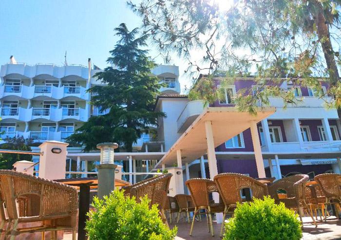 Počela sezona u hotelu Sun resort, Finci prvi turisti