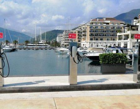 Tesla punjači za električne automobile u Porto Montenegru