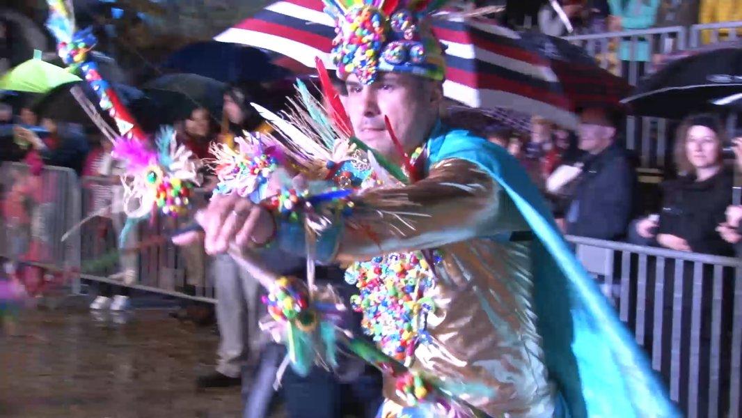 Karneval u Budvi ni kiša ne zaustavlja