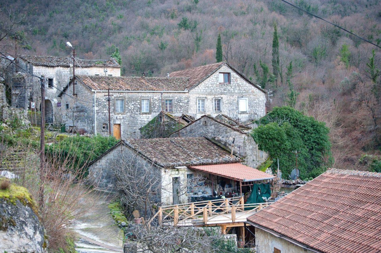 Šetnja Godinjem, rustičnim crmničkim selom