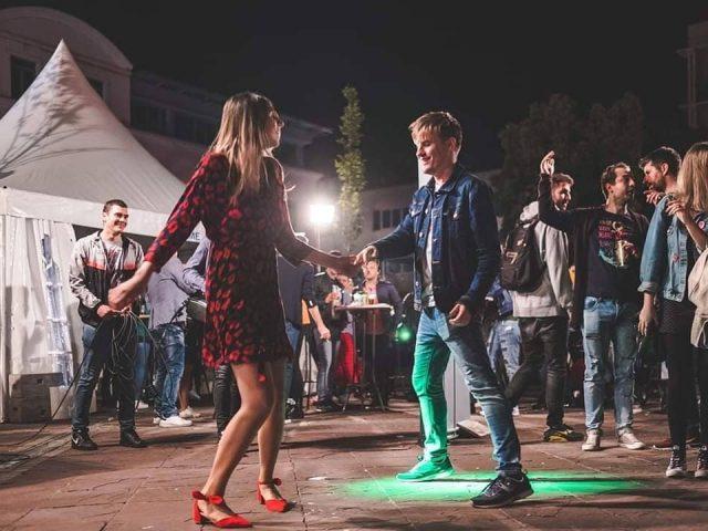 Sjajni nastupi za kraj Pazara: Večeras Who see na Trgu Nezavisnosti