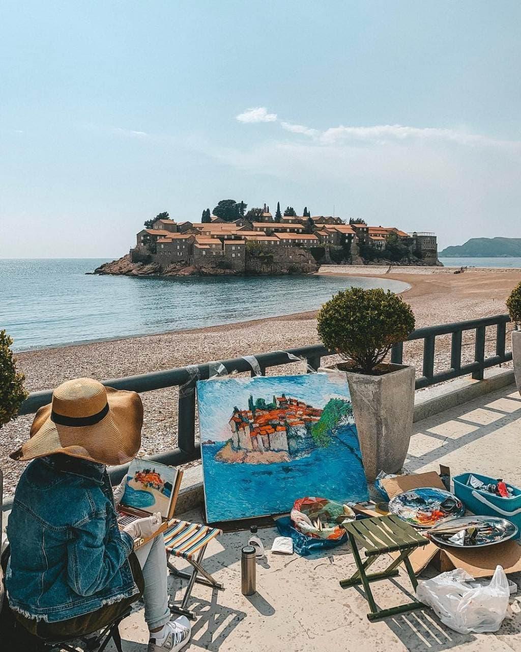 Sveti Stefan među pet najboljih hotela za ljubitelje umjetnosti