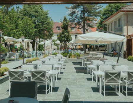 Pet zvjezdica za Gradsku kafanu na Cetinju