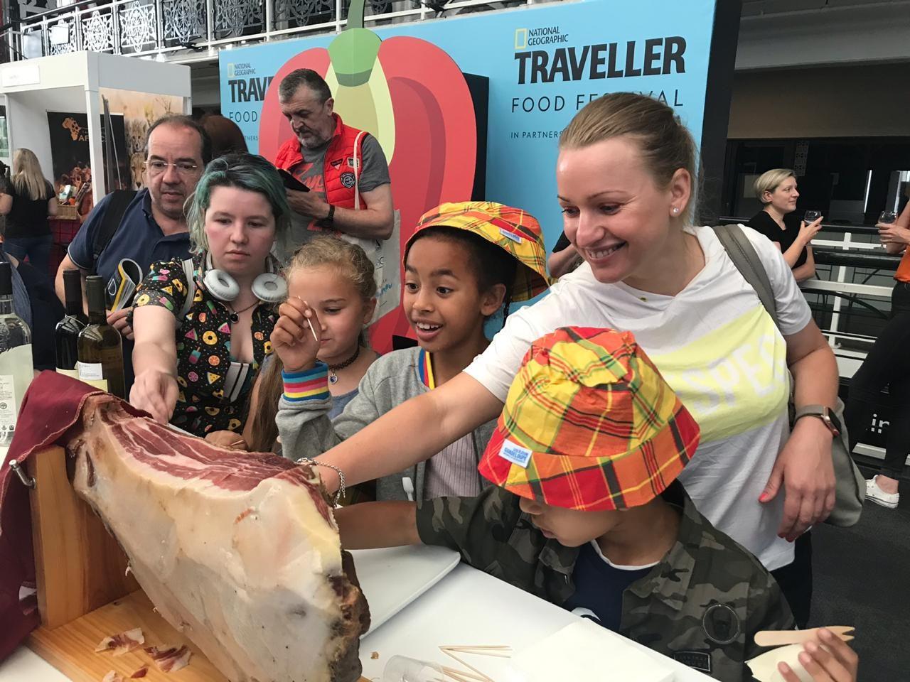 "Crnogorski kačamak na festivalu hrane ""National Geographic Traveller"""