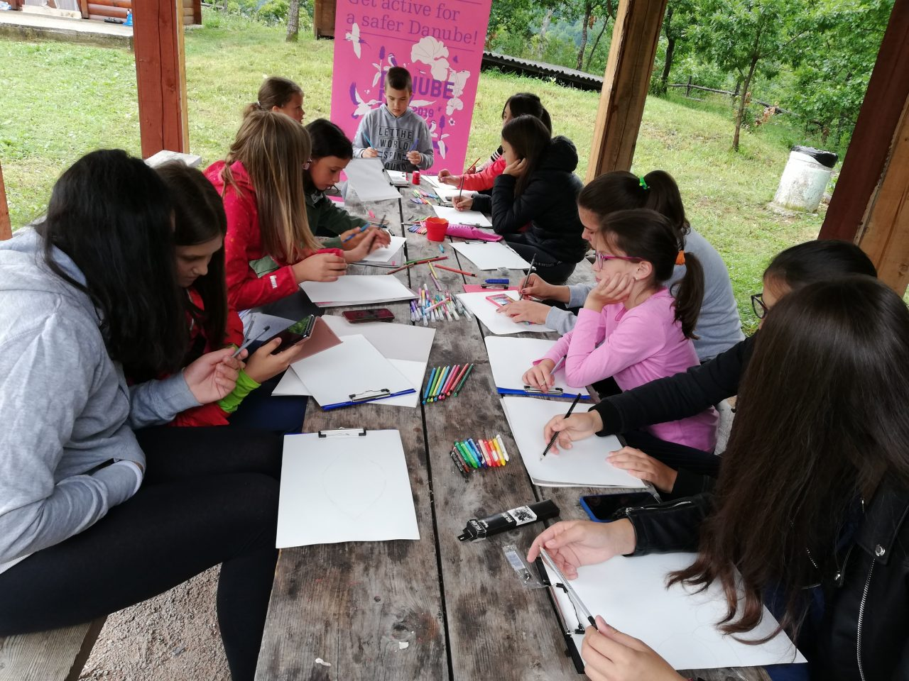 Dan Dunava na Đurđevića Tari: Đaci slikali i učili o značaju očuvanja rijeka