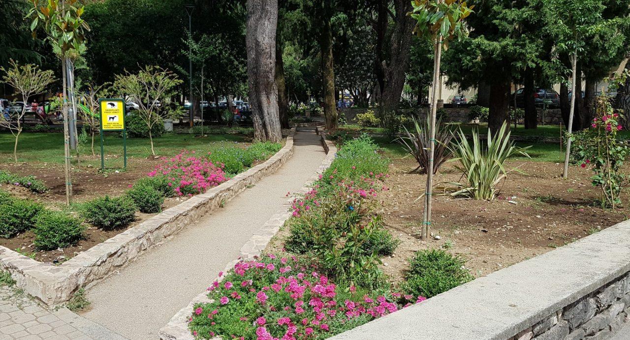 Dio malog parka u Tivtu zvaće se po Draganu Raduloviću
