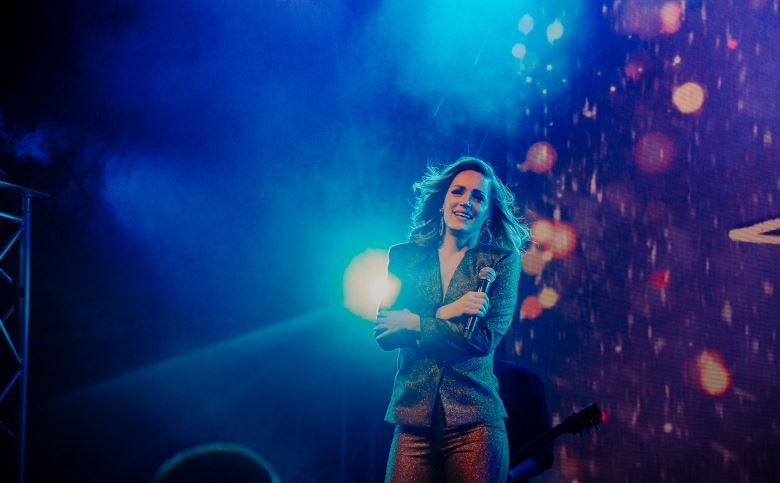 Čudo večeras u Tivtu: Tijana na Ljetnjoj pozornici