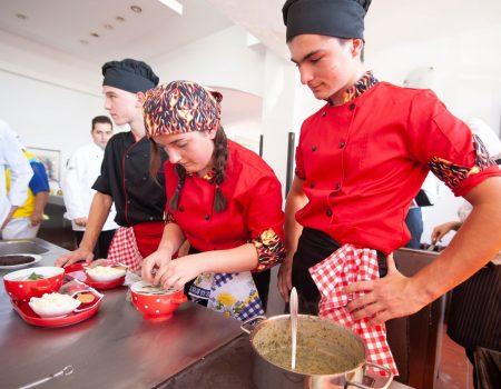 Obilježen Svjetski dan turizma: Budvani pobijedili na kulinarskom takmičenju