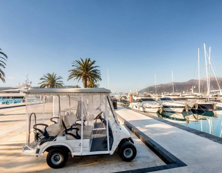 U Tivtu se odmara blizu 2.000 turista, pretežno stranci