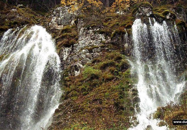 Nestvarni Durmitor: Igra vode i pucanje Čelina na Crnom jezeru
