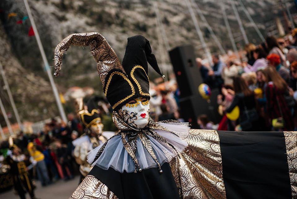 Zabava i smijeh: Izradite svoju karnevalsku masku!