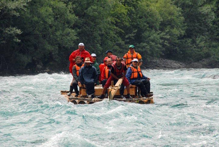 Drveni splavovi na Tari oduševili turiste iz Njemačke