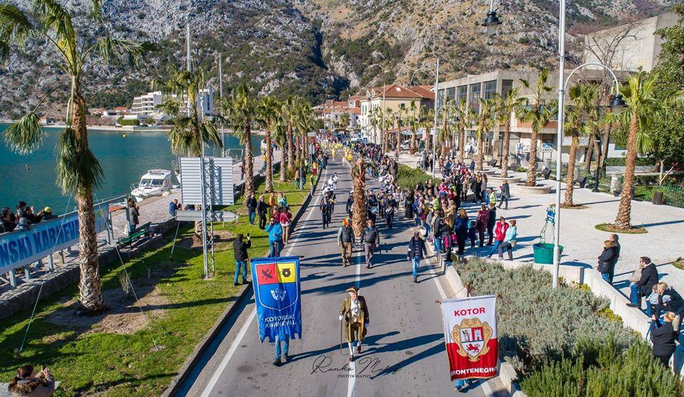 Uspješan prvi karneval: Rišnjani spalili Palmotića Teutića