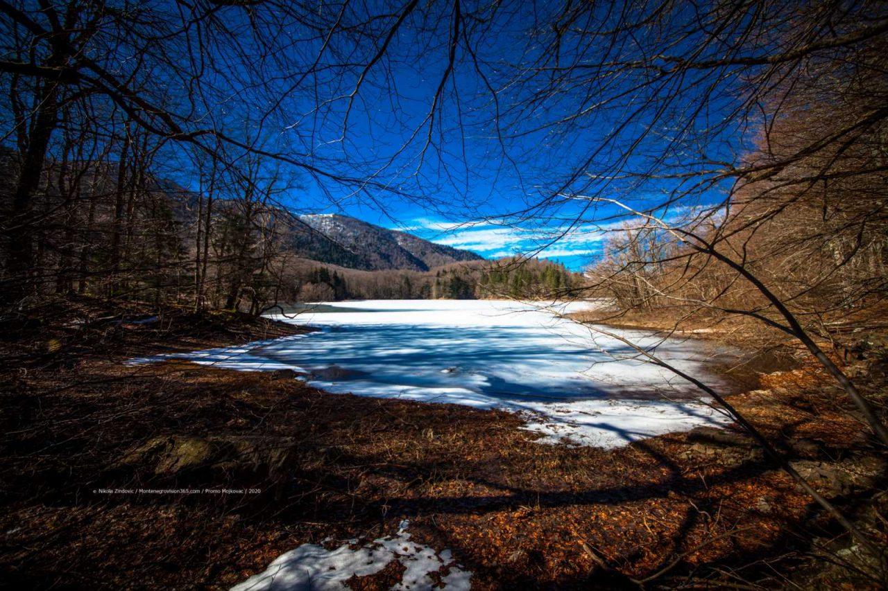 Zaleđena ljepota Biogradskog jezera