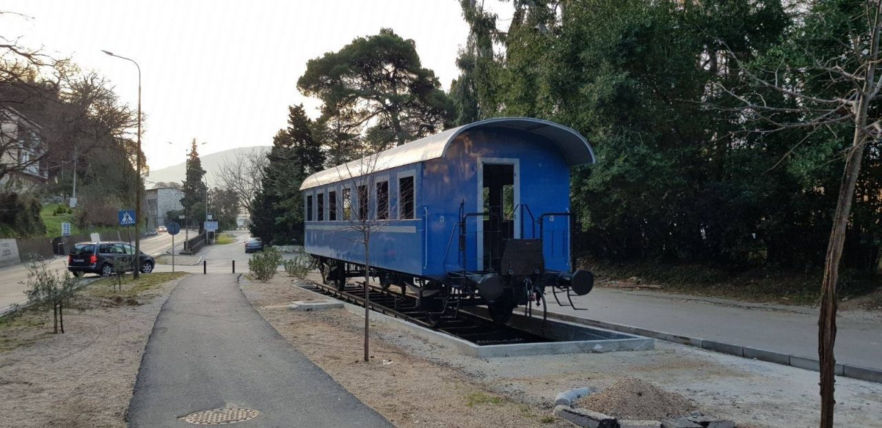 Plavi vagon u Novom – mjesto okupljanja i sjećanja