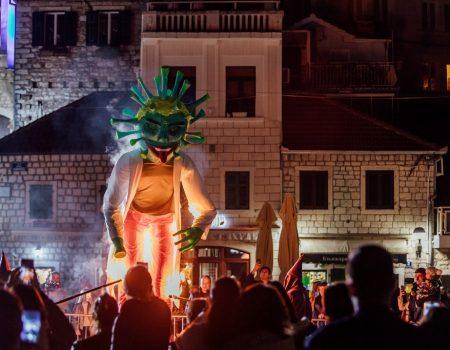 Novljani osudili karnevala Virusa Krunu