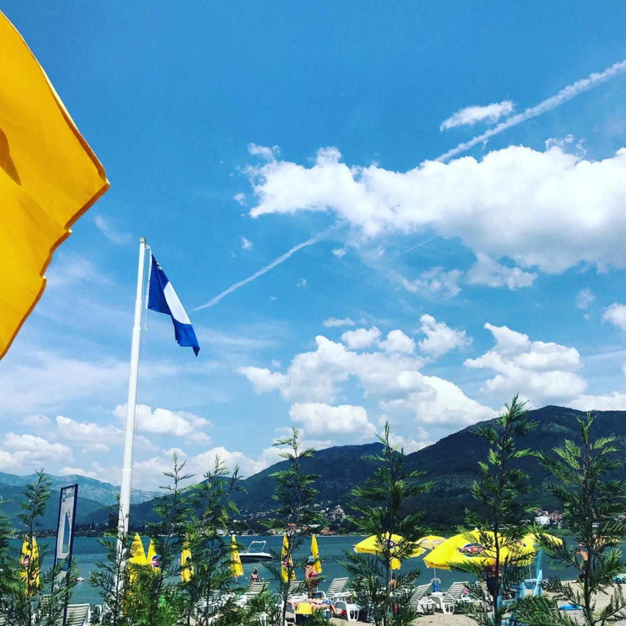 Na Kalardovu se zavijorila prva plava zastavica u Crnoj Gori!