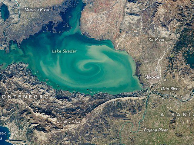 NASA iz svemira snimila zanimljivu prirodnu pojavu u Skadarskom jezeru