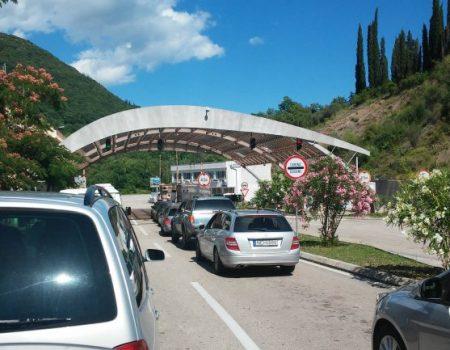 Putnici iz Crne Gore u Hrvatsku mogu uz negativan PCR test ili karantin