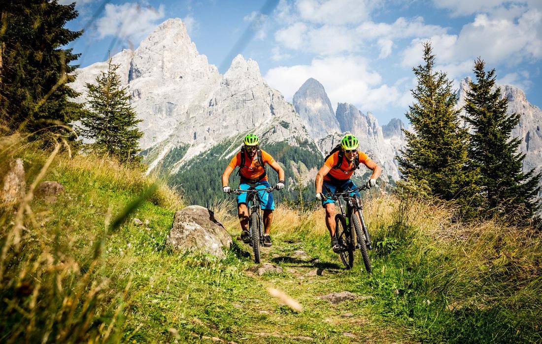 Osvojite vrhove bez granice na biciklu!