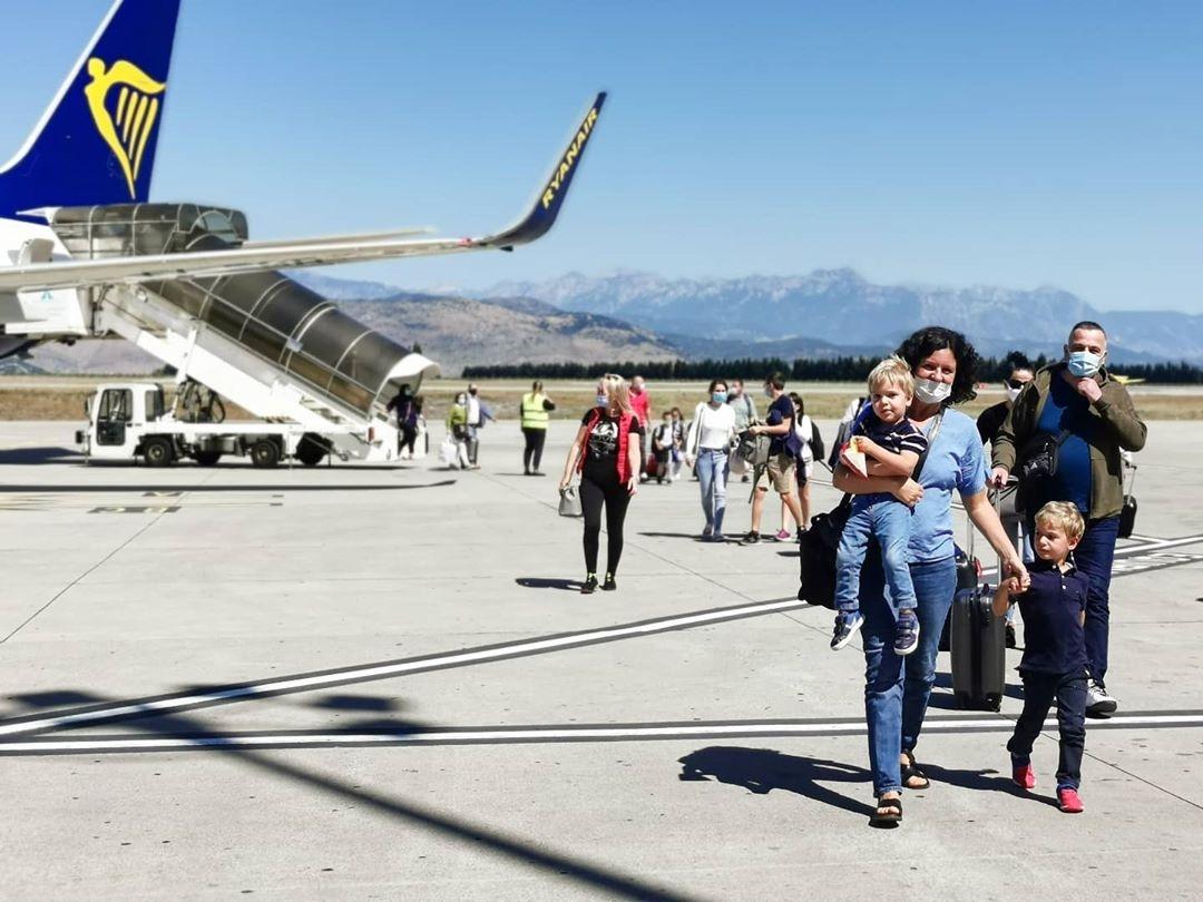 Na tivatski aerodrom danas slijeće avion sa prvim turistima iz Bjelorusije