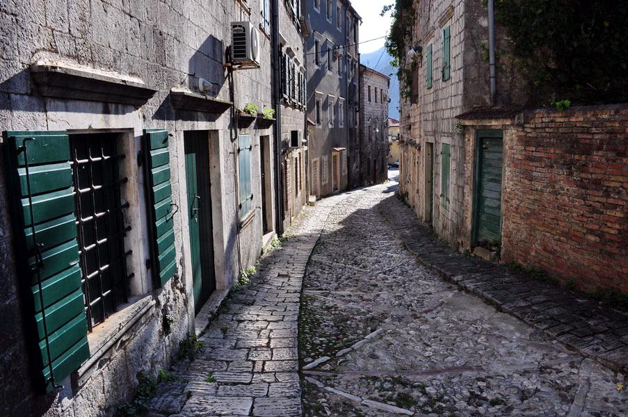 Risanska ulica kroz koju je nekada proticao život