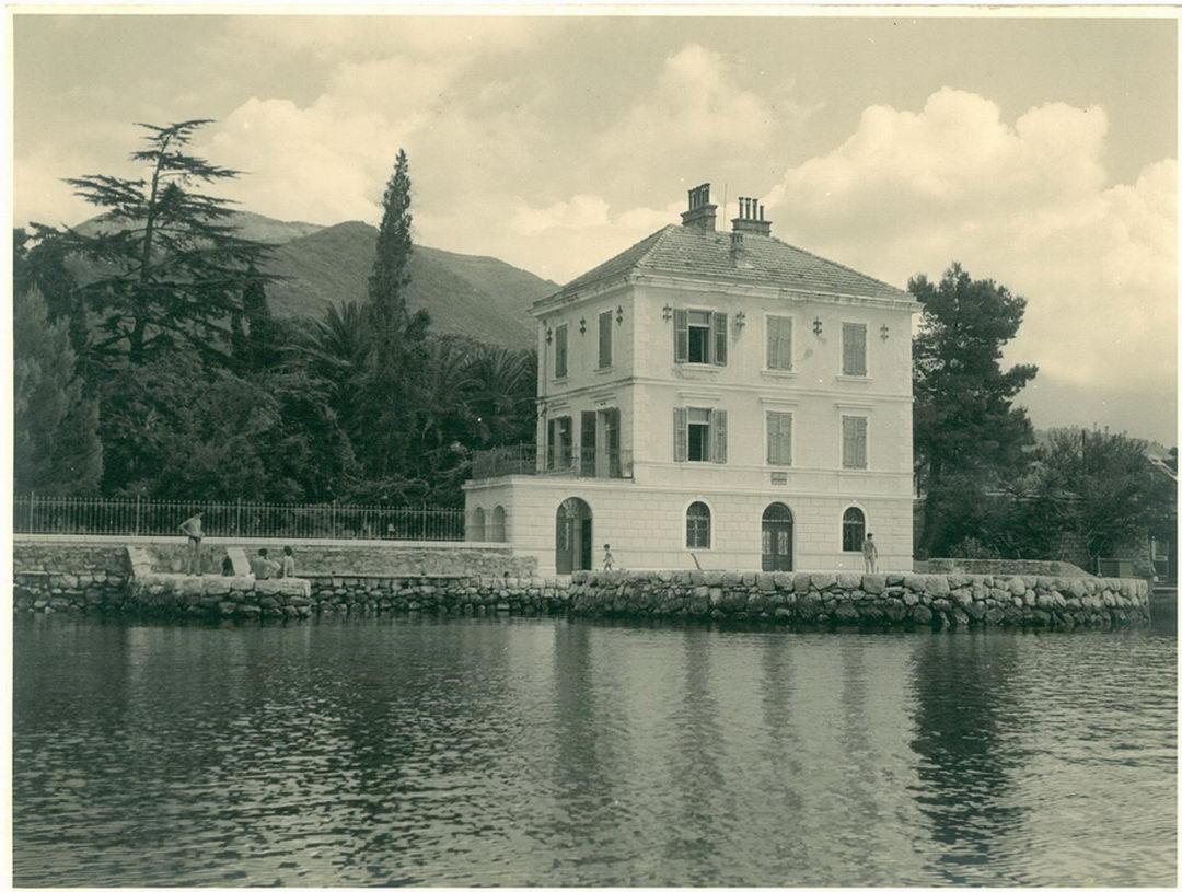 Par koraka kroz istoriju Tivta, u slikama
