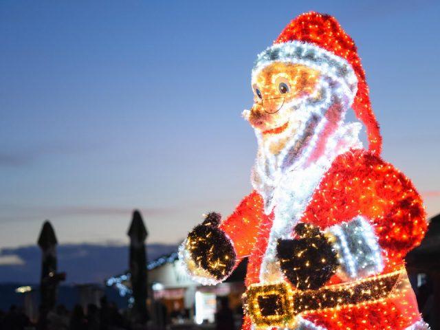 Dočekajmo Novu godinu u veselim bojama: Tivat u prazničnom ruhu