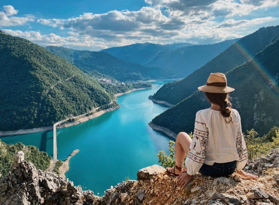 Crna Gora zemlja moćnih vrhova i tirkiznog mora – kao bajka