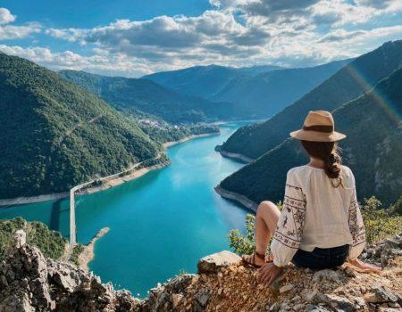 Mjere i putovanje: Šta vam je potrebno da dođete u Crnu Goru?