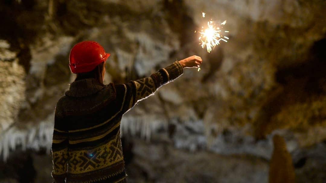Da li ste za gledanje filma ispred Lipske pećine?