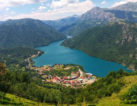 A hill overlooking the beauties of Piva Lake
