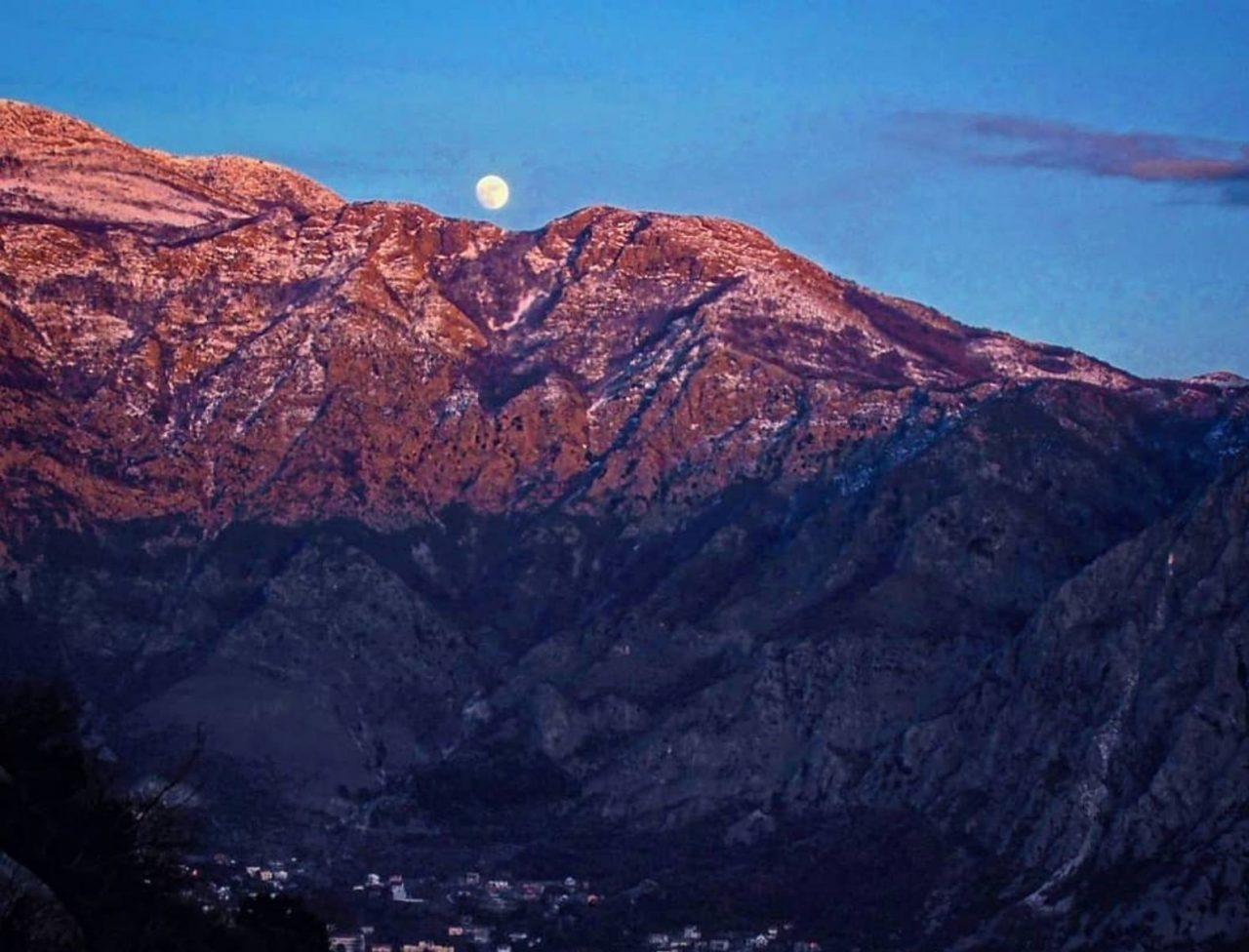 Pridružite se šetnji Orjenom: Nad Bokom po mjesečini