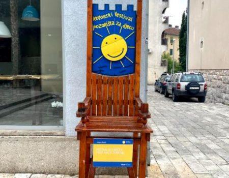 Izložba umjetničkih instalacija na Trgu od kulture u Tivtu